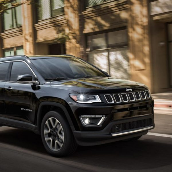 2018-Jeep-Compass-VLP-Gallery-Exterior-02.jpg.image_.1440-1439x699